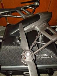 Dron Yuneec Typhoon Q500 4K + příslušenství // ZÁRUKA