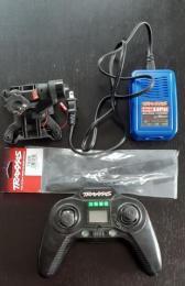 Traxxas Aton - gimbal, transmiter, charger